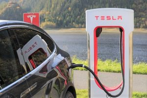 How does electric car tax credit work?